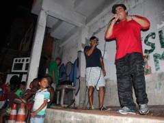 MC Leonardo agitating against police repression.