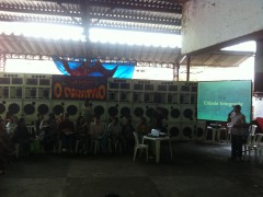 A public forum about police pacification and social services in the Cantagalo favela.