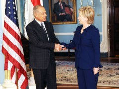 Secretary Clinton met with Egyptian Foreign Minister Ahmed Ali Aboul Gheit on February 12, 2009 at the U.S. State Department. By U.S. State Department [Public domain], via Wikimedia Commons.