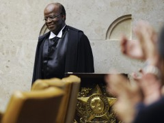 Current Minister of Superior Court Joaquim Barbosa at the ceremony of his possession. He was the referendary responsible for the process of Mensalão.Photo taken by Jonas Pereira/Agência Senado on Flickr. CC BY-NC 2.0