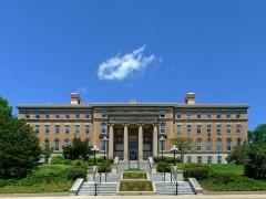 Agvicvltvre Hall, University of Wisconsin
