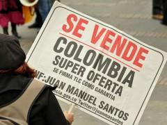 http://www.flickr.com/photos/marcha-patriotica/7211044486/lightbox/